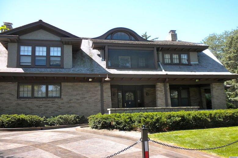 Warren Buffet House