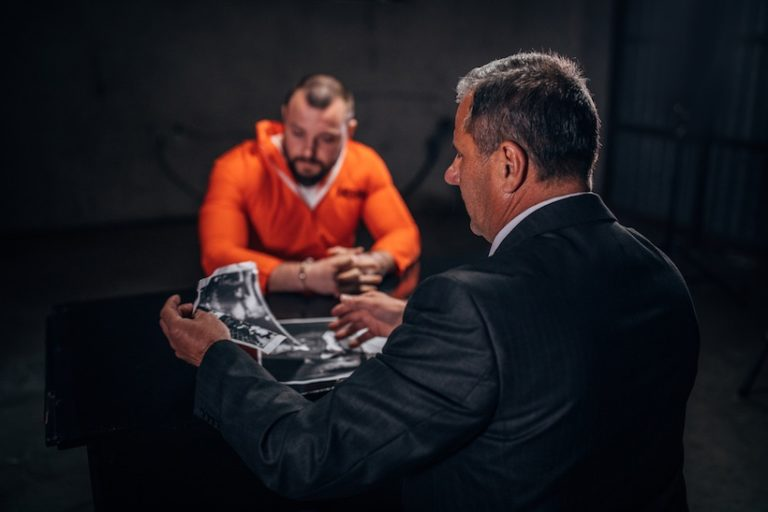 Become a Criminal Defence Lawyer