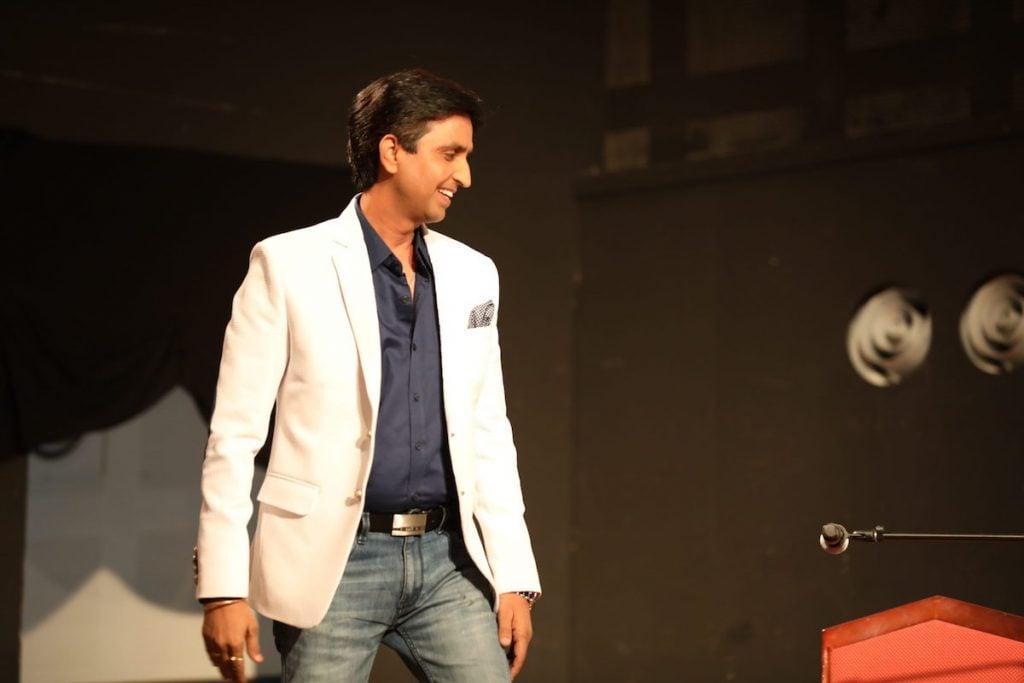 Kumar Vishwas Net Worth