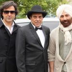 Dharmendra with his sunny deol and bobby deol