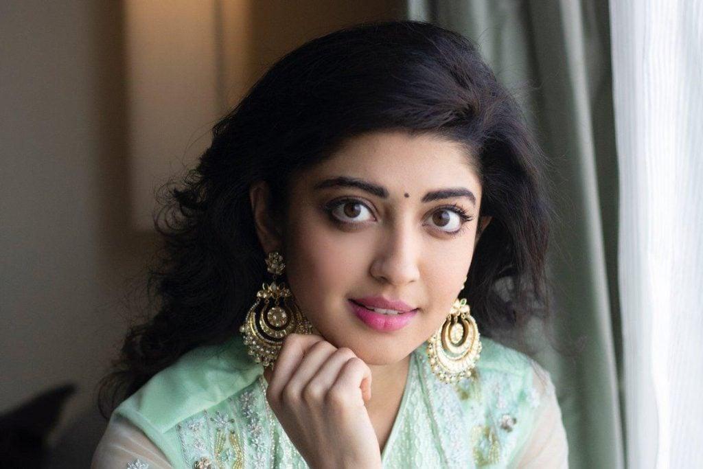 Pranitha Subhash cute
