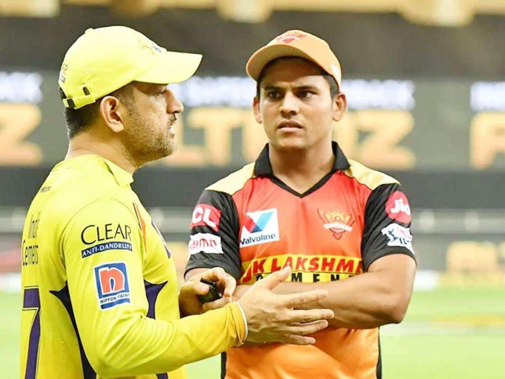 Priyam Garg with ms dhoni
