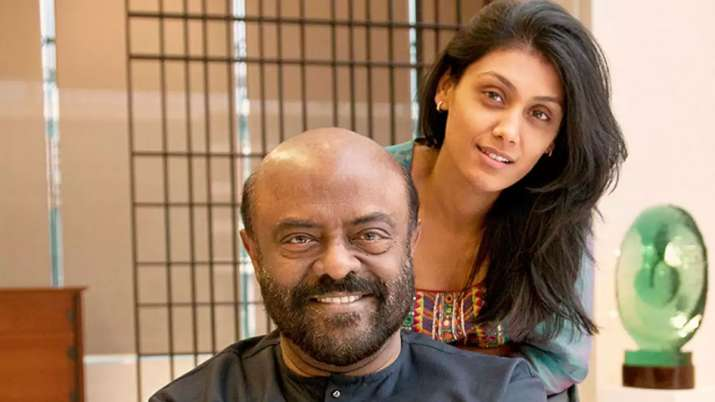 Shiv-nadar-with-daughter
